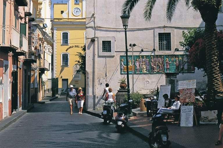 Le bourg de Ischia Ponte